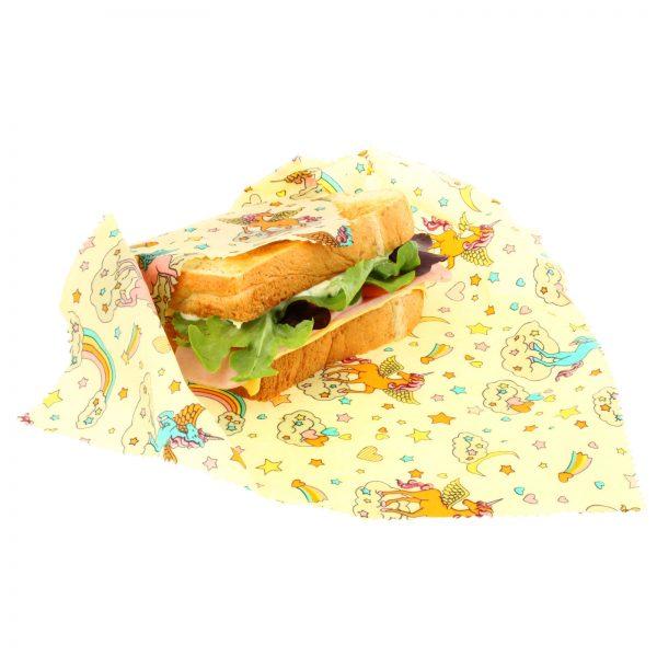 Свеж сандвич, завит в кърпа с пчелен восък с принт на еднорози